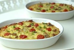 Cheesy pasta and egg bake